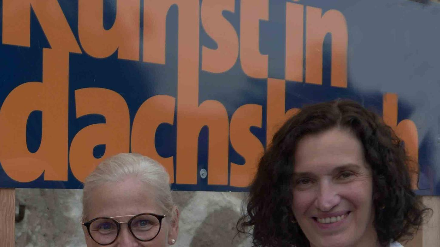 """Über schon weit fortgeschrittene Vorbereitungen auf die Neuauflage von """"Kunst in Dachsbach"""" berichten aus dem Organisationsteam die Künstlerinnen Elke Rogler-Klukas und Ilona Nürnberg (v. l.)."""