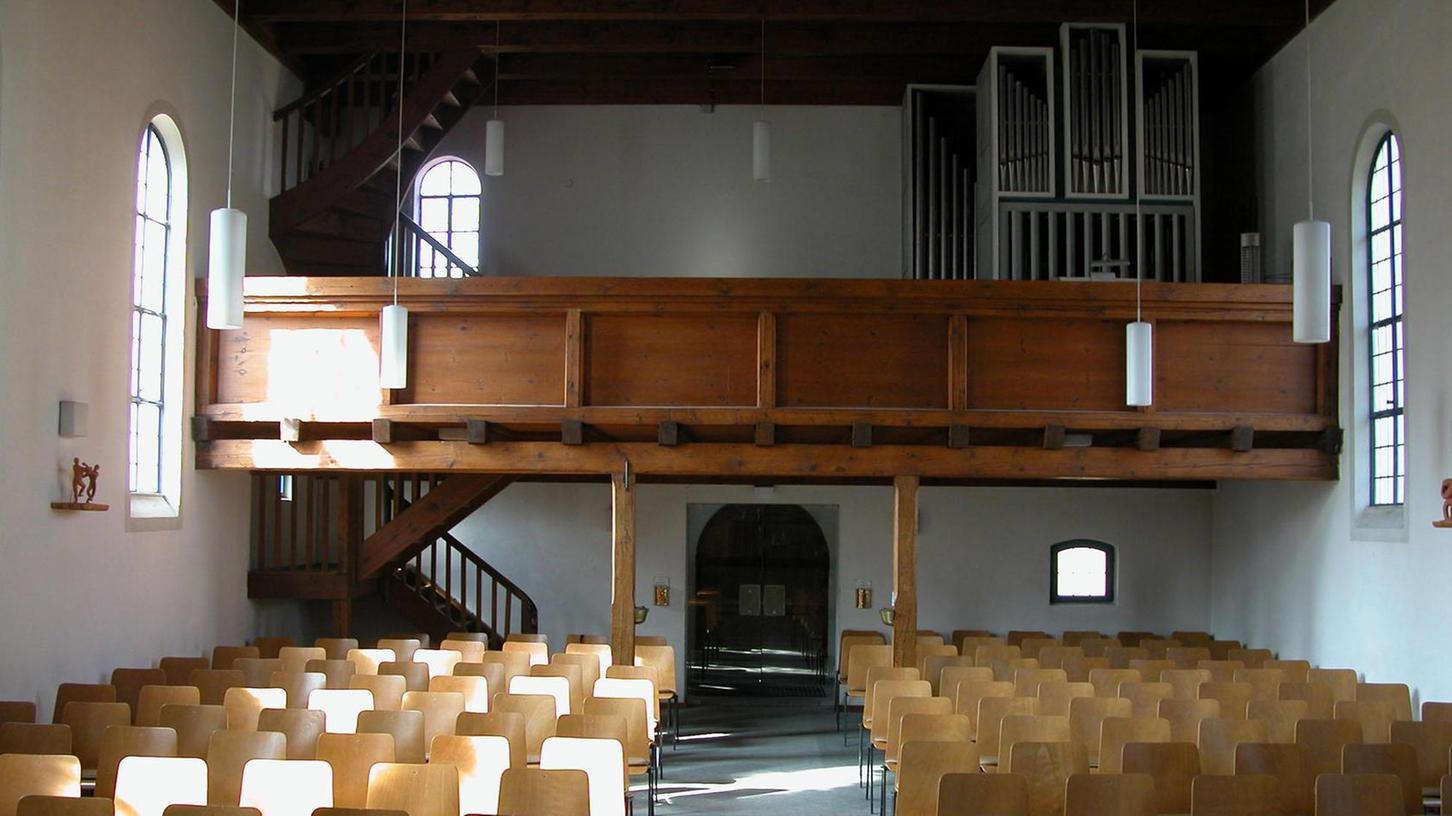 Die alte Orgel in der früheren evangelischen Kirche, die vor zehn Jahren durch einen Neubau ersetzt wurde.