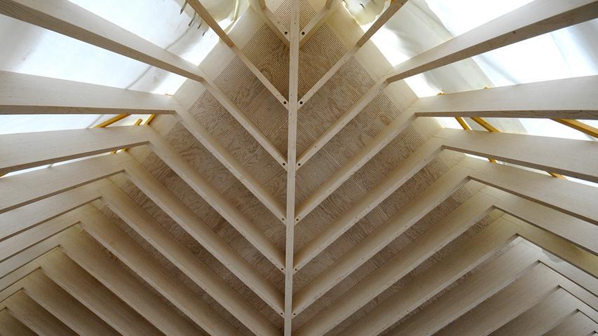 Spannend: Architektur mit viel Beton und viel Holz.