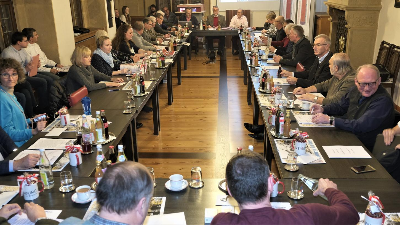 Bald ein Livestream aus der Stadtratssitzung? Die Weißenburger SPD hat nun einen entsprechenden Antrag gestellt. (Archivfoto)