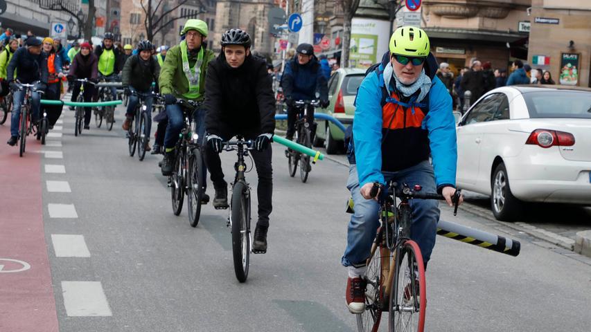 Mit der Nudel durch Nürnberg: Alle Bilder der Radfahrer-Demo