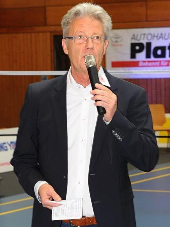 Vor 24 Jahren kam Stephan Pistorius aus dem Saarland nach Freystadt und stieß dort zur 1995 gegründeten Badminton-Abteilung des TSV. Dank zahlreicher junger Talente, an der Spitze sein Sohn Johannes Pistorius, stieg die erste Mannschaft binnen fünf Jahren von der Bezirksklasse bis in die 2. Bundesliga auf. Seit 2015 spielt sie in der 1. Bundesliga.