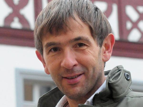 Wolfgang Nierhoff: Behördengänge online erledigen.