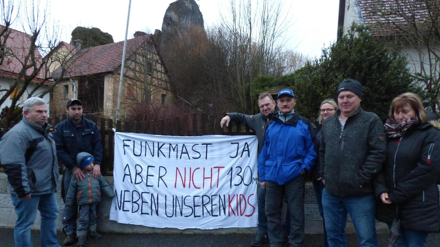 Ludwig Roppelt, Bernd Linsner, Ralf Fahner, Ludwig Endres, Siegfried Stenglein, Carmen Neuner, Fritz Völkel und Karoline Völkel wehren sich.