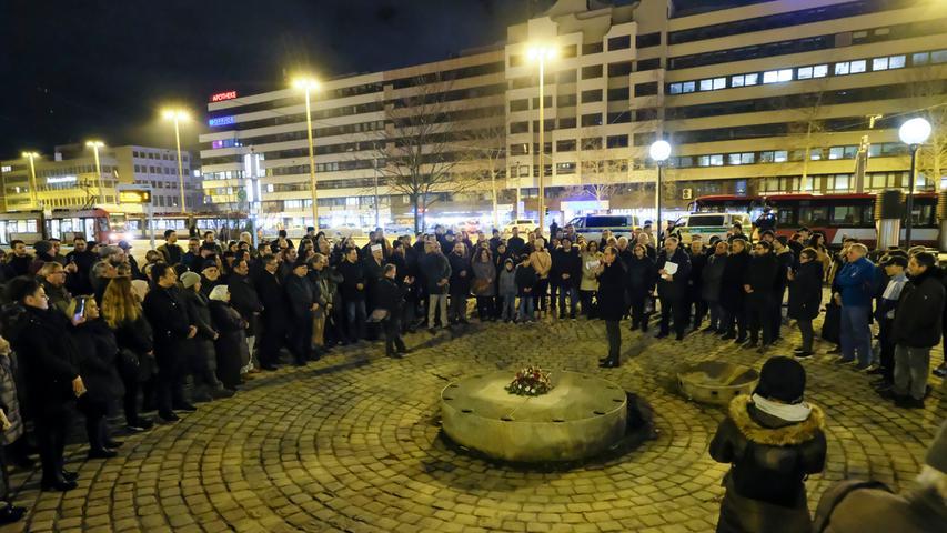 Nürnberg , am 20.02.2020..Ressort: Lokales Foto: Günter Distler..Am Plärrer, Türkische Gemeinde in der Metropolregion trauert mit Hanau