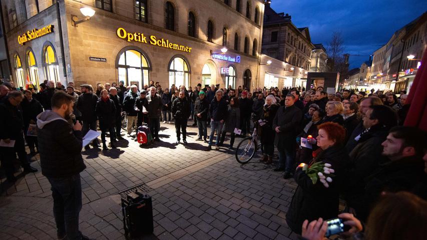 MOTIV: Rechter Terroranschlag, Kundgebung in Fürth, Dreiherrenbrunnen; FOTO: Tim Händel; DATUM: 20.02.2020