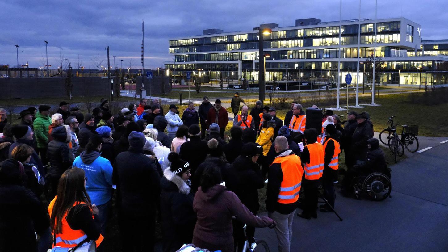 Ein Eindruck vom StUB-Dialogforum, an dem vergangene Woche Herzogenauracher die Chance hatten, sich über den geplanten Verlauf der Stadt-Umland-Bahn über die Herzo Base zu informieren.