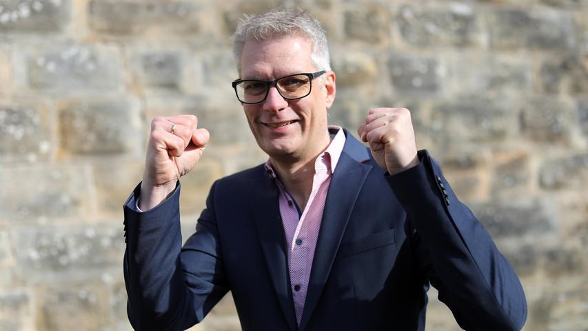In einem Stichwahl-Krimi in Forchheim hat sich Amtsinhaber Uwe Kirschstein (SPD) gegen Udo Schönfelder (CSU) durchgesetzt: Mit 55,33 Prozent der Stimmen entschied der alte und neue OB das Duell für sich. Hier finden Sie den kompletten Artikel.