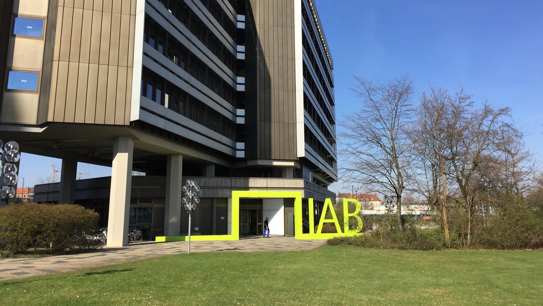 Erforscht Phänomene auf dem Arbeitsmarkt: Das Institut für Arbeitsmarkt- und Berufsforschung (IAB) in der Regensburger Straße in Nürnberg.