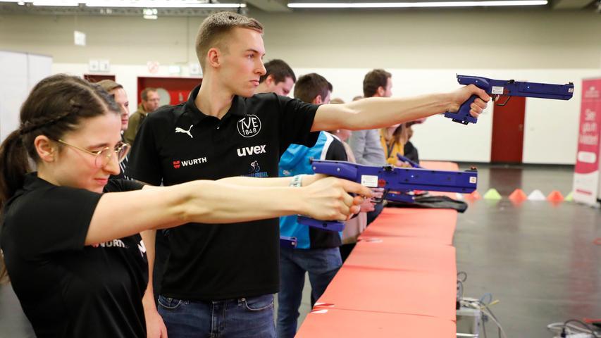Zwischen Laserpistolen und starken Armen: Die Sporttrends der Freizeit-Messe