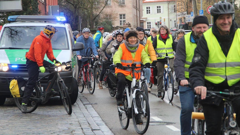 Demonstrierend durch Schwabachs Straßen: Die Radfahrer erwarten, dass der künftige Stadtrat nicht nur von einem Radwegekonzept redet, sondern dies auch konkret umsetzt.
