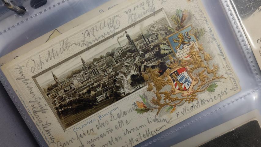 Zu den Schätzen des Archivs gehören auch viele historische Postkarten.