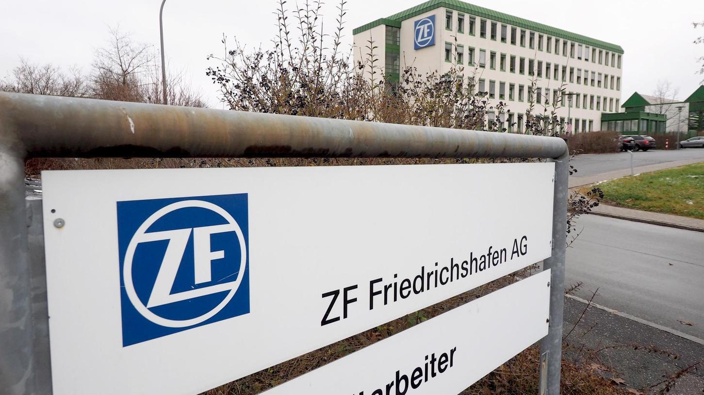 An den regionalen ZF-Standorten Auerbach (Bild) und Bayreuth läuft die Fertigung trotz Coronavirus im gewohnten Umfang weiter. In den chinesischen Werken sieht es anders aus.