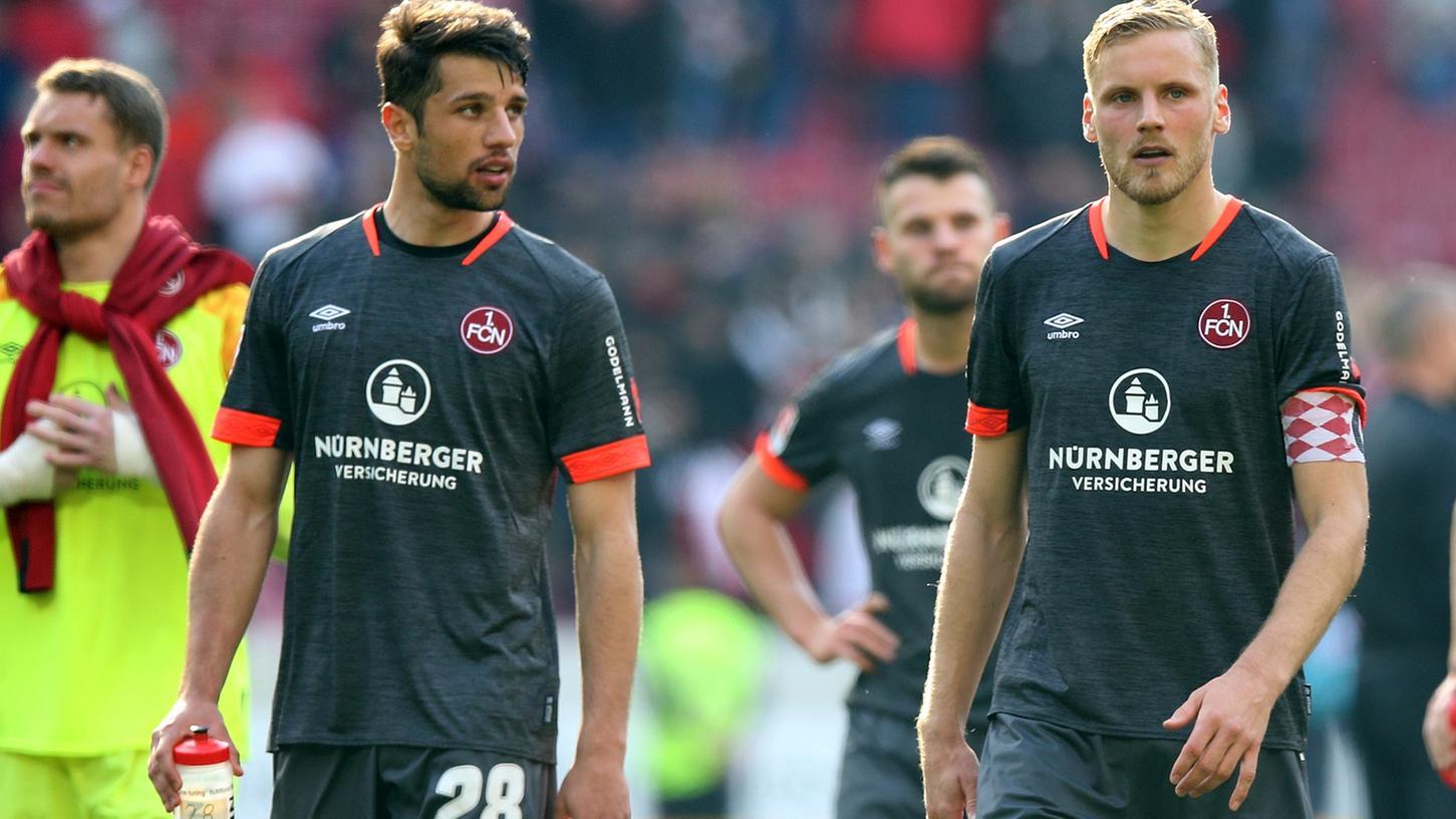 Bislang Unbekannte haben Drohbotschaften gegen Lukas Mühl und Hanno Behrens verbreitet.