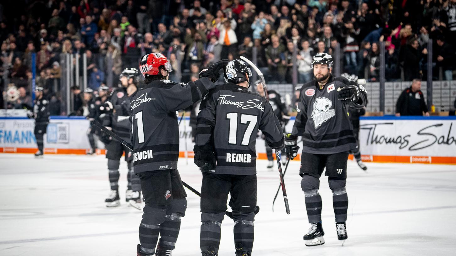Arbeit erledigt: Kapitän Patrick Reimer schickt seine Ice Tigers nach seinem 3:2 gegen Düsseldorf mit einem Erfolgserlebnis in die Playoffs.