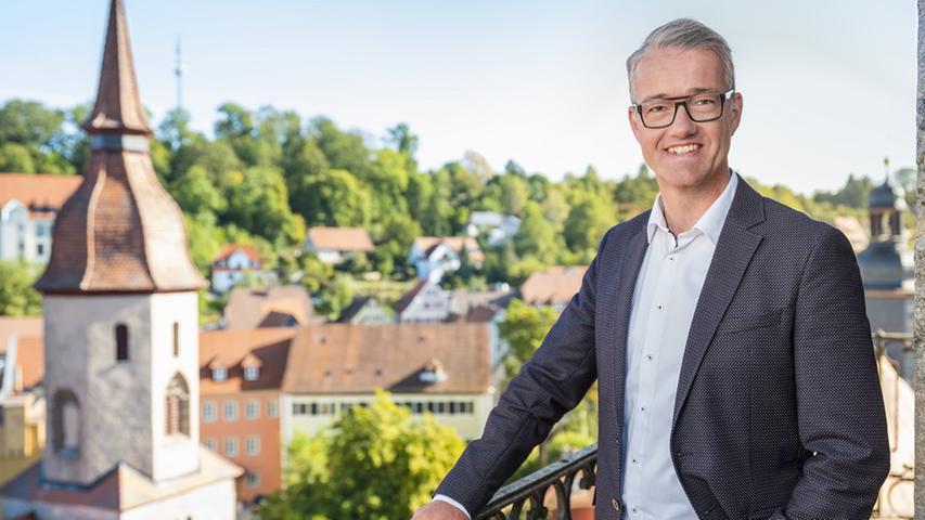 Für ihn reichte es knapp: Patrick Ruh (CSU) bleibt Bürgermeister von Feuchtwangen.  Hier finden Sie den kompletten Artikel.