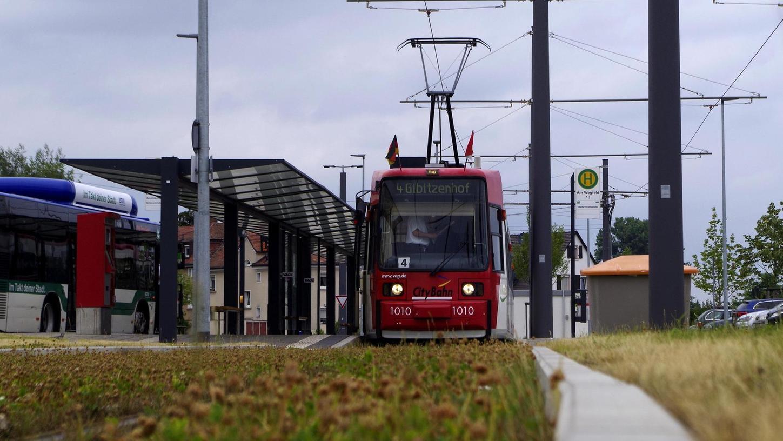 Zwischen Thon und der Endstation Am Wegfeld (Bild) ist die Nürnberger Tram mit einem Schnitt von 30 Stundenkilometern unterwegs. Die StUB soll das toppen.