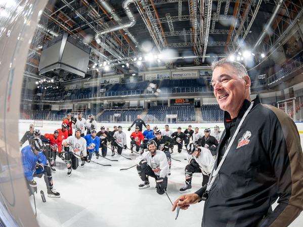 Ruhestand oder ein zweites Jahr in Nürnberg: Das abschließende Gespräch mit Cheftrainer Kurt Kleinendorst wird erst noch folgen.