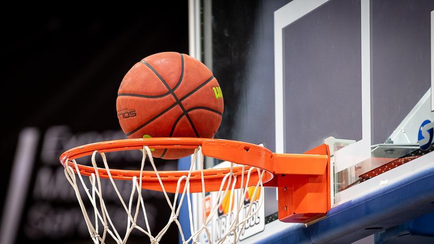 Die Saison der Basketballerinnen wurde schon früh mit sofortiger Wirkung beendet. Die Bundesliga der Männer setzt ihre Saison nun in Form von Geisterspielen fort. Die ersten zehn Klubs der aktuellen Tabelle werden die Playoffs in Turnierform ausspielen. Die restlichen Teams, die sich dagegen entschieden haben, am Playoff-Turnier teilzunehmen, werden hinter den zehn Teams gelistet, Absteiger gibt es keine.