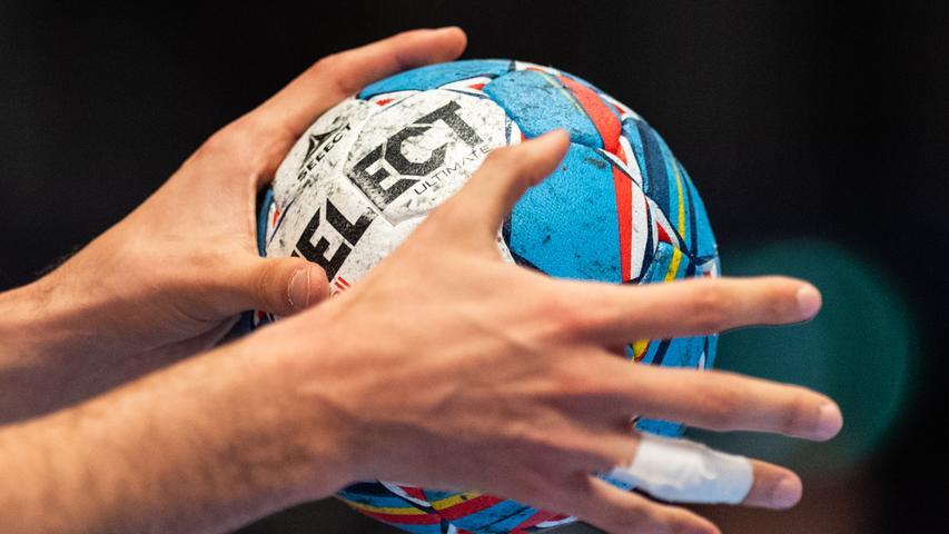 Bis um 12. April kommen alle Partien der Handball-Europapokalwettbewerbe ebenso wie die EM-Qualifikationsspiele der Frauen zum Erliegen. Die Partien sollen an einem späteren Zeitpunkt nachgeholt werden. Auch das Olympia-Qualifikationsturnier wurde in den Juni verlegt.