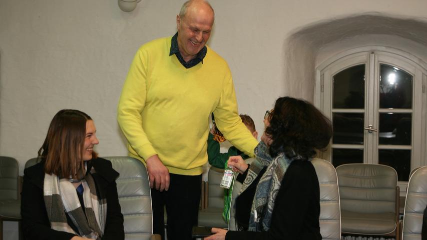 Eine Stichwahl erspart bleibt auch Gerald Brehm: Höchstadts Bürgermeister (Junge Liste) siegt gleich im ersten Wahlgang. Hier finden Sie den kompletten Artikel.