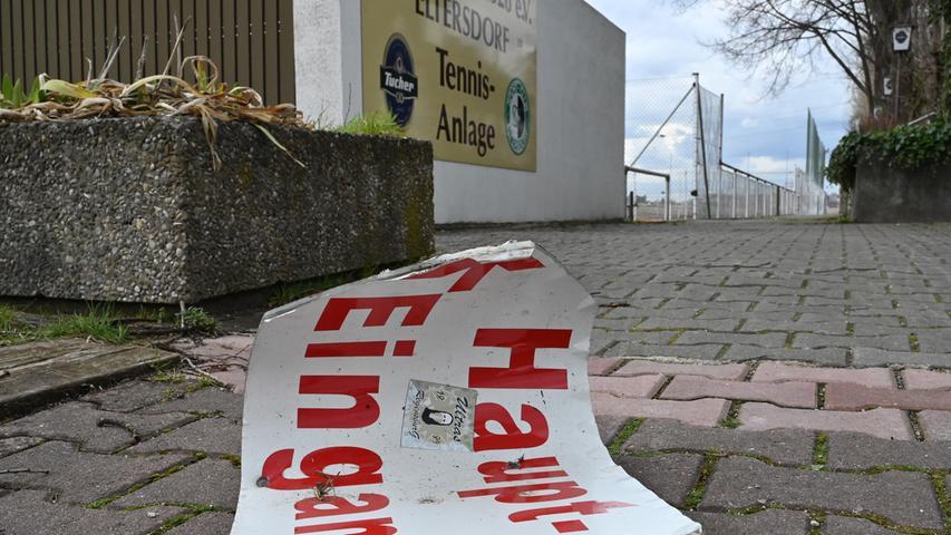 Verlassene Sportplätze: Einsamkeit in der Corona-Krise