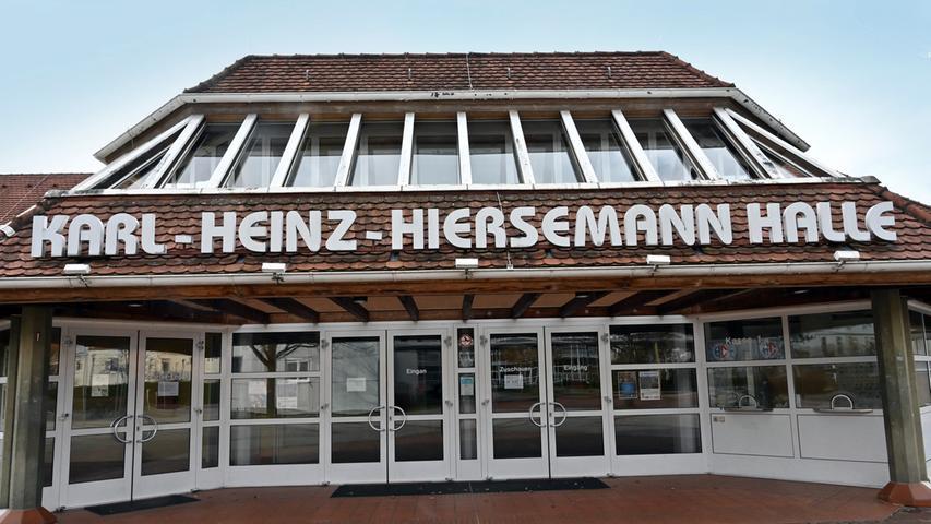 Ansonsten herrscht hier Hochbetrieb: Doch die Bundesliga-Handballer des HC Erlangen trainieren in der Hiersemannhalle ebenso nicht wie die Amateursportler.