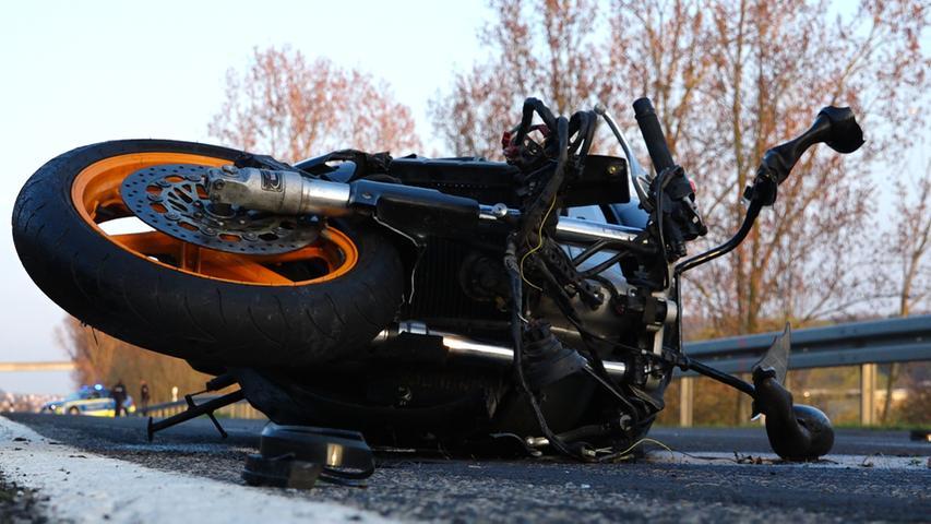 31-Jähriger stirbt bei Motorradunfall nahe Würzburg - Sozia verletzt