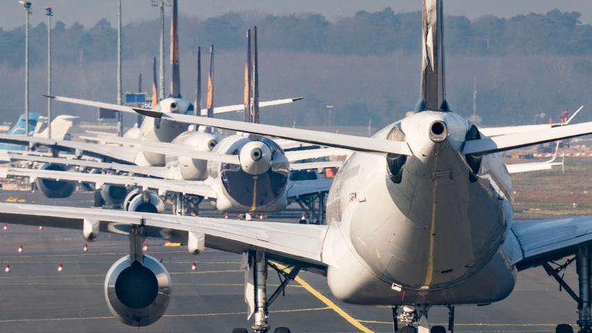 Die Luftqualität verbessert sich durch Maßnahmen von Fluggesellschaften. Die Lufthansa lässt bis zu der Hälfte ihrer Flugzeuge am Boden. Gestrichen werden Kurz-/Mittel- und Langstrecken.