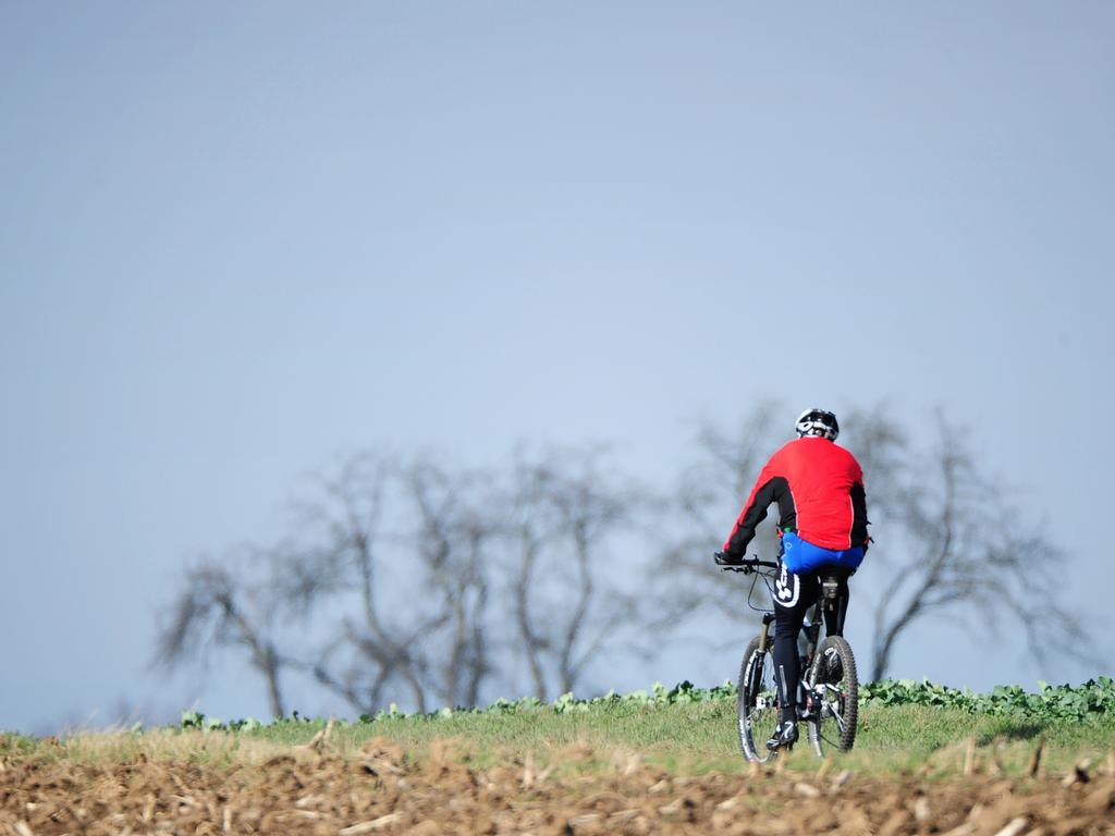 Für die ausgedehnte Radausfahrt oder Mountainbike-Tour ist es allerdings ratsam, auf eigene Verpflegung denn eine Einkehr zu vertrauen.