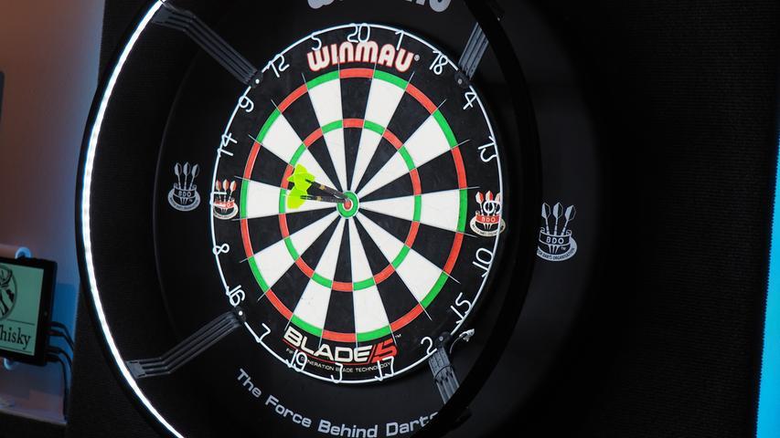 Freunde der Präzision könnten die Lage nutzen, um in Ruhe ohne Zuschauer ihr Dartspiel zu verbessern.