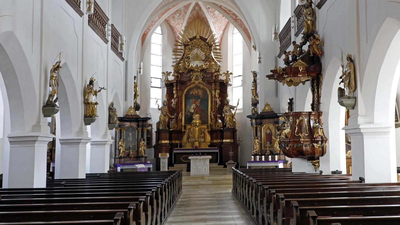 Die St.-Georgs-Kirche bleibt für Menschen, die sich im stillen Gebet zurückziehen wollen, geöffnet. Von Samstag auf Sonntag sogar die ganze Nacht.