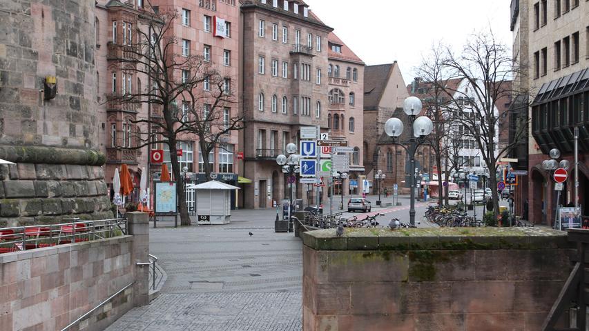 Ein ähnliches Bild bot sich auch in Nürnberg: Fast keine Menschen waren am Bahnhof oder in der Altstadt unterwegs.