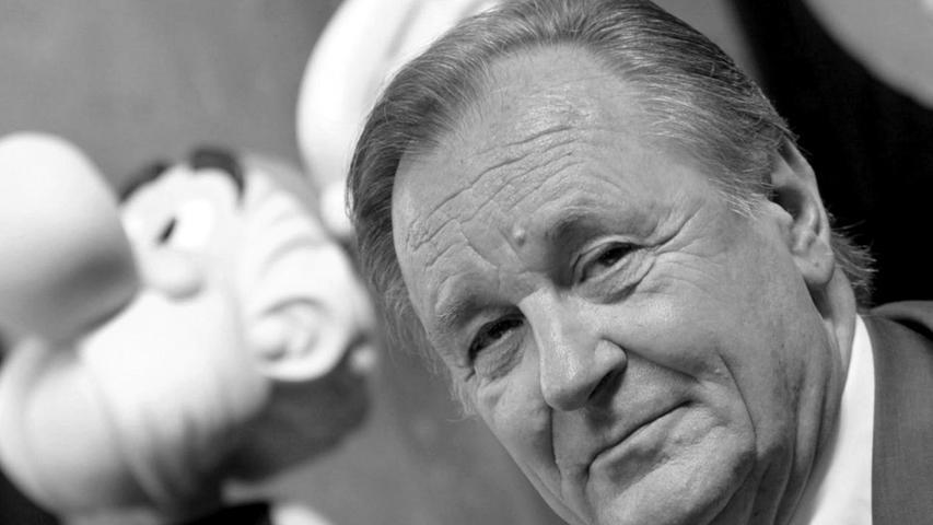 Ohne ihn hätte es die weltberühmten Comic-Helden Asterix und Obelix nicht gegeben: Nun ist Albert Uderzo im hohen Alter von 92 Jahren gestern Nacht im Kreis seiner Familie an einem Herzinfarkt verstorben.