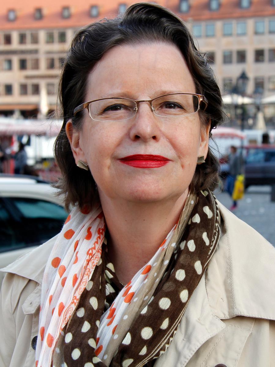 Christine Kayser ist Dipl.-Ingenieurin. Erhaltene Stimmen: 45.127.