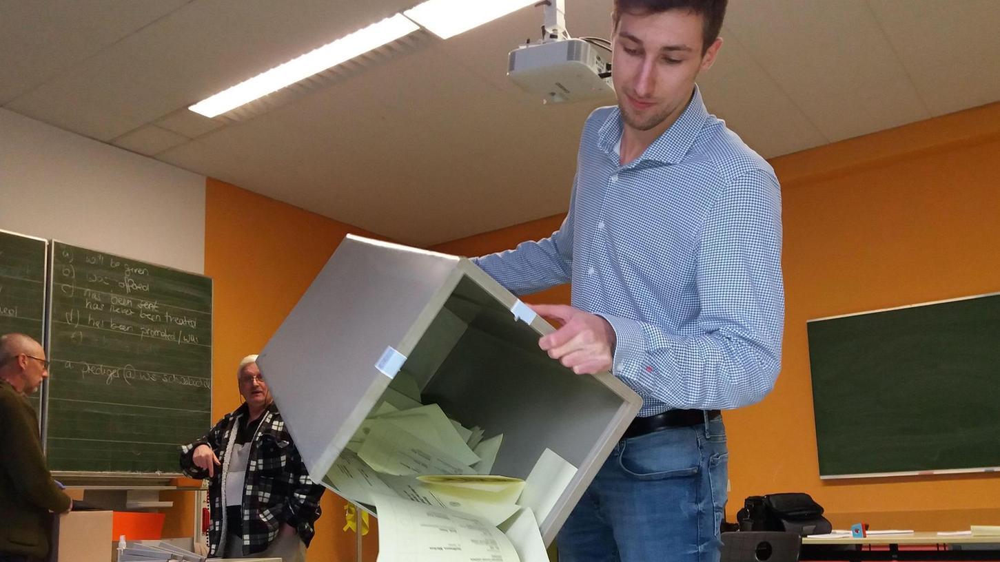 Für die Stichwahlen am kommenden Sonntag zeichnet sich überall eine hohe Wahlbeteiligung ab. Unser Bild entstand beim ersten Durchgang der Kommunalwahl am 15. März.