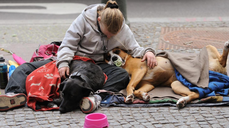 Sie dürfen nicht auf der Strecke bleiben: Obdachlose benötigen die Hilfe der Gesellschaft dringender denn je.