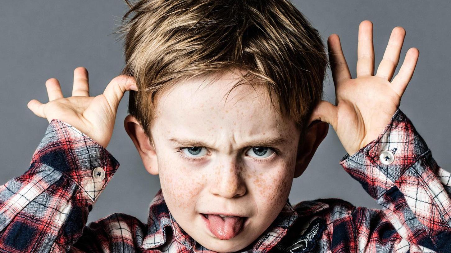 """""""Nöö, das mache ich nicht!"""" Viele Eltern geraten durch die Allgegenwart ihrer Kinder derzeit an ihre Grenzen. Erziehungsratgeberin Nicola Schmidt rät dazu, Strukturen einzuhalten, aber auch mal von den eigenen Ansprüchen zurückzutreten."""