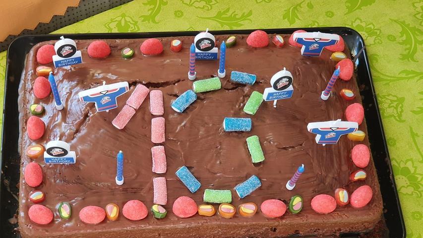 Diesen tollen Geburtstagskuchen hat unsere Userin Heidi Jerke gebacken.