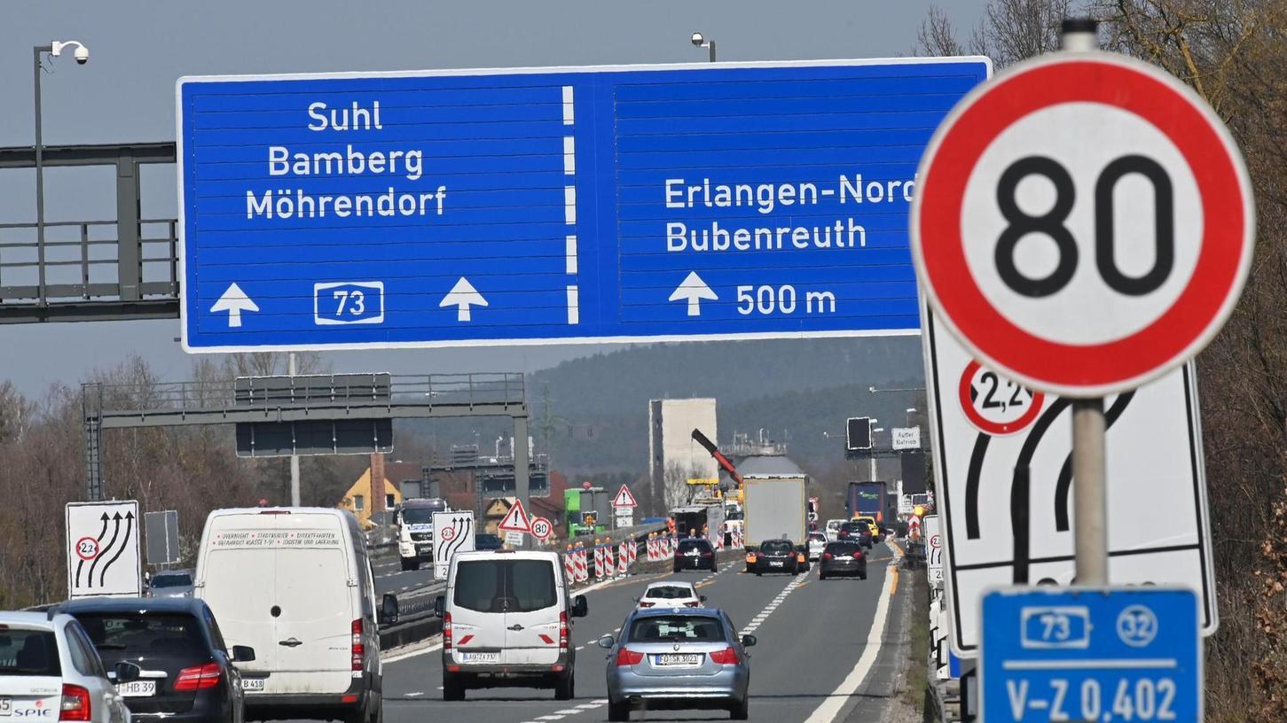 Nachdem die Arbeiten am Hauptsammler für die Stadt Erlangen abgeschlossen sind, wird nun in den nächsten Tagen die Baustelle auf der A 73 abgebaut, so dass der Verkehr zwischen den Anschlussstellen Erlangen–Zentrum und Erlangen-Nord wieder ungehindert fließen kann.
