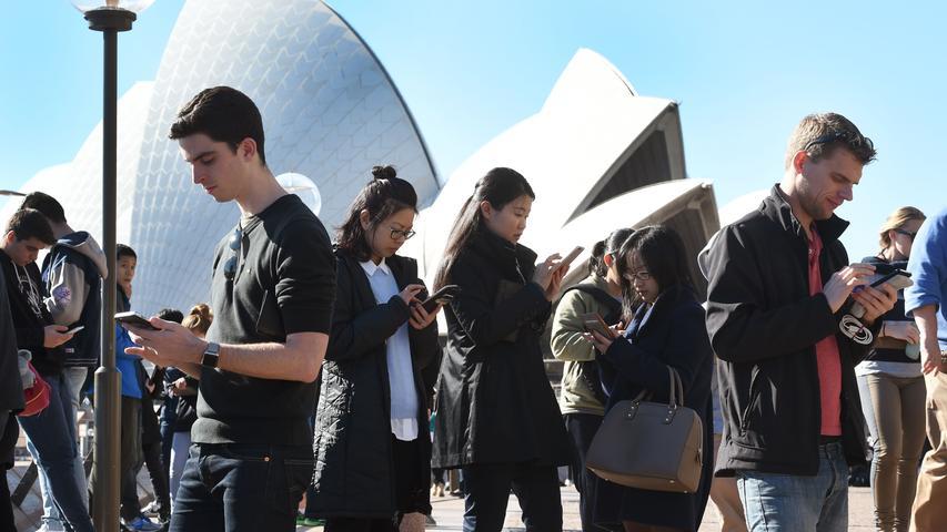 Das Sydney Opera House ist eines der markanten Gebäude des 20. Jahrhunderts. Zusammen mit dem Ayers Rock zählt es zu den berühmtesten Wahrzeichen Australiens und ist nicht umsonst ein beliebtes Fotomotiv.