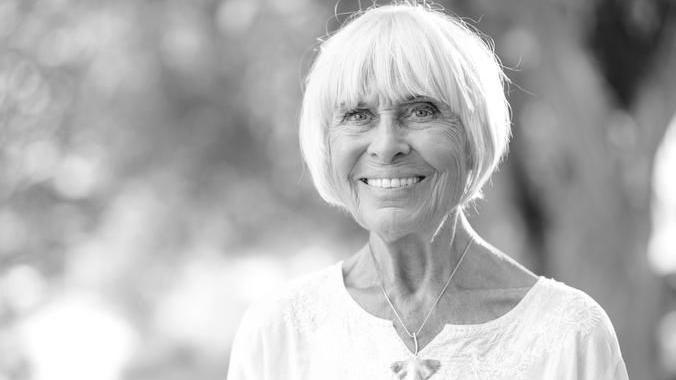 Sie war ein echtes Multitalent, arbeitete als Autorin, Schauspielerin und saß für die Grünen im bayerischen Landtag. Nun ist Barbara Rütting im Alter von 92 Jahren verstorben. Bekannt wurde sie durch ihre Rolle als