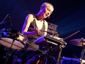 Mercedes Peón beherrscht etwa 20 verschiedene Instrumente.