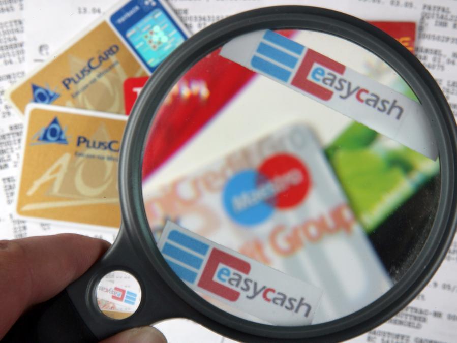 Bei elektronischen Zahlungsmitteln lassen sich Betrüger immer wieder neue Maschen einfallen.