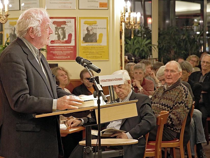 Martin Walser bei seiner Lesung im Nürnberger Literaturhaus.
