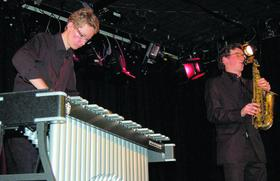 Intensiv und ausdrucksstark am Vibraphon (Felix Prihoda) und am Saxofon (Julian Schunter).