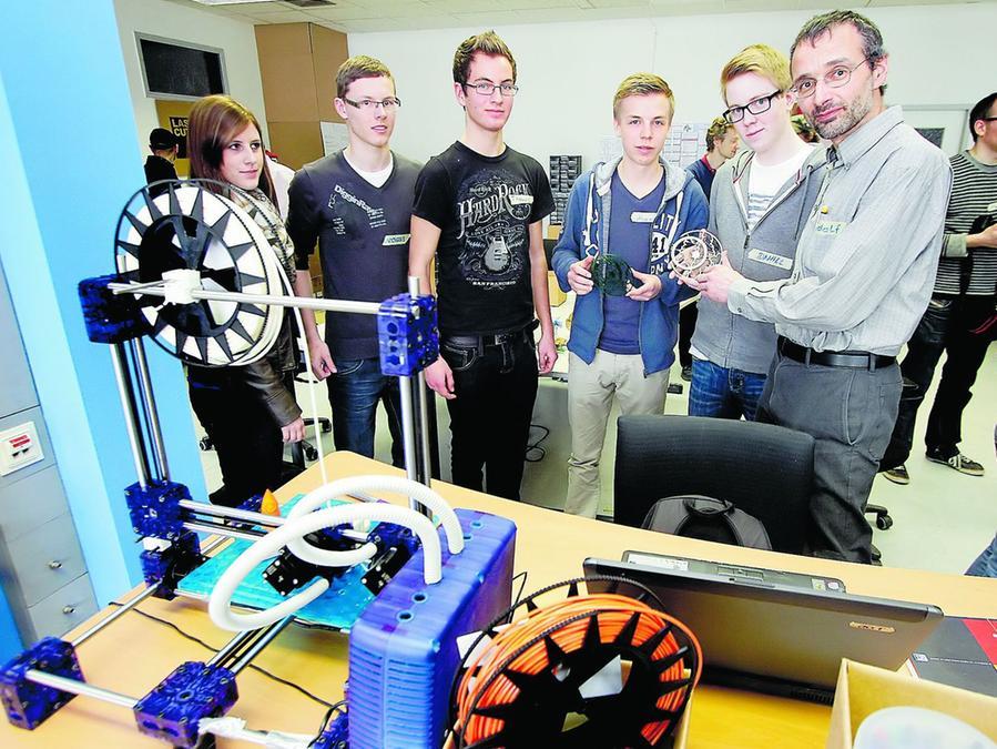 """Im """"Fabrication Laboratory"""" auf dem ehemaligen AEG-Gelände können Schüler verschiedener Jahrgangsstufen den kreativen Umgang mit Technologie lernen."""