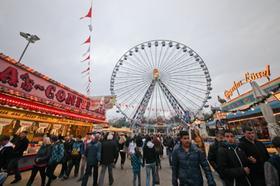Auch wenn das Wetter nicht immer mitspielte - die Besucher des Volksfestes hatten dennoch ihren Spaß.