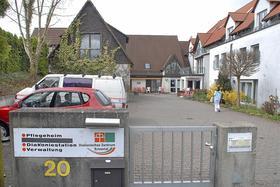 Das bisherige Senioren- und Pflegewohnheim des Diakonievereins Eckental in Forth steht für 1,4 Millionen Euro zum Verkauf. Der Diakonieverein will den Heimbetrieb künftig ganz dem Martha-Maria-Diakoniewerk überlassen.