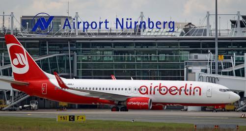 Noch stellt die Air Berlin mit ihrem Drehkreuz Nürnberg gut die Hälfte der vier Millionen Passagiere am Flughafen. Die kriselnde Airline gab zwar gestern ein Bekenntnis zum Standort ab, nicht aber, in welchem Umfang.